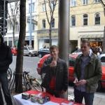 """Fabian Rusnjak (rechts), """"W.I.R.""""-Infotisch 2012"""